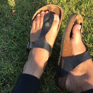 BIRKENSTOCK 🔴 Gizeh sandal In black